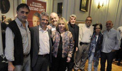 Gustavo L�pez con apoyo de alfonsinistas porte�os