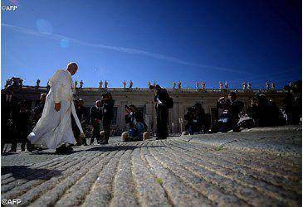 El Papa Francisco llama a revalorizar el matrimonio y la familia