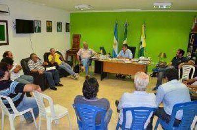 Empleados municipales de Castelli acordaron un incremento salarial del 30%