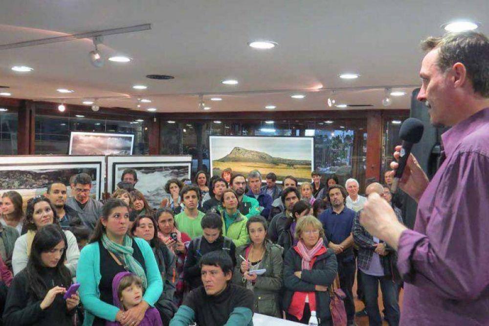Pedro Aznar presentó su muestra fotográfica en el SCUM