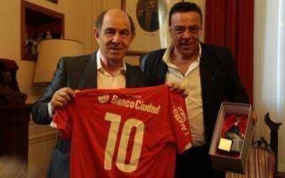 Ricardo Bochini fue recibido por el Intendente Cáffaro en Zárate
