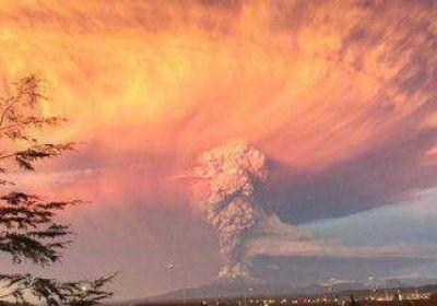 Alerta en la región por la erupción del volcán Calbuco