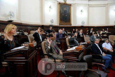 Acalorado debate en el Concejo por la Policía Local y una pobre respuesta oficialista