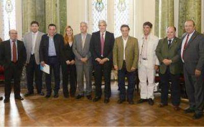 Julián Domínguez se reunió con intendentes para planificar políticas públicas
