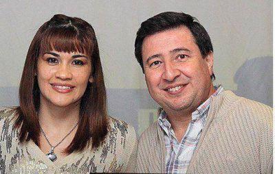 Daniel Arroyo junto a Marcela Acu�a en Tres de Febrero