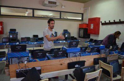 Más estudiantes recibieron sus netbooks