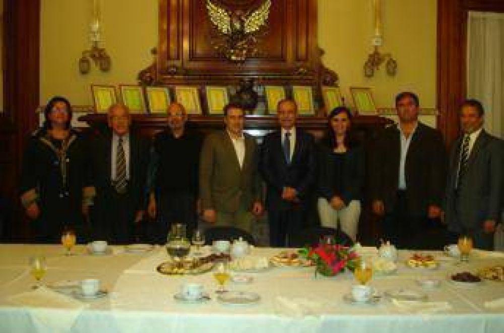 El embajador de Palestina en Argentina visitó el CIRA