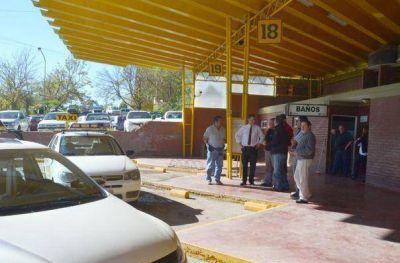 Nuevas dársenas para taxis en la terminal de Santa Rosa