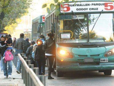 En 60 días lanzarán la nueva licitación para los colectivos en Mendoza