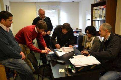 El Escalaf�n Profesional Universitario acord� el aumento del 28,3% anual