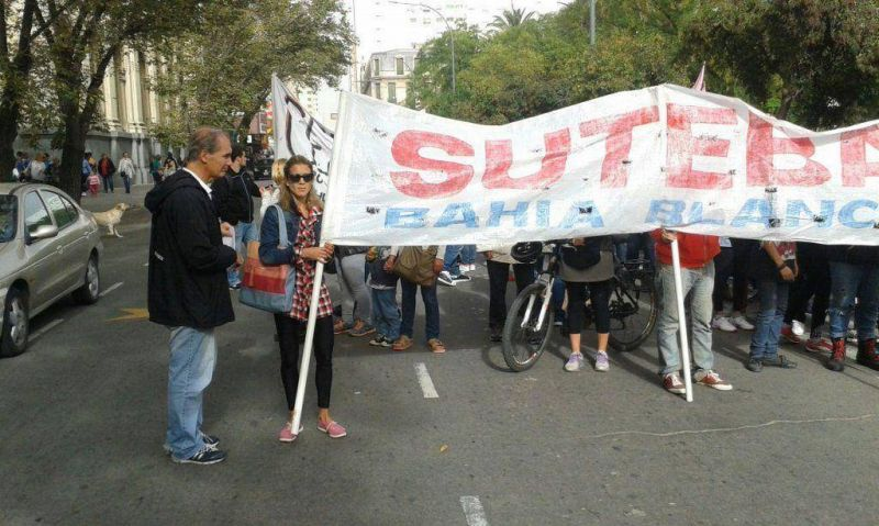 Docentes de SUTEBA marcharon por problemas salariales y de infraestructura