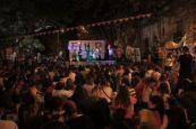Miles de estudiantes en un festival por el boleto educativo gratuito