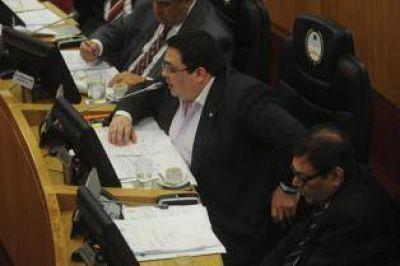 Dos legisladores pedirán la destitución del jefe de los fiscales