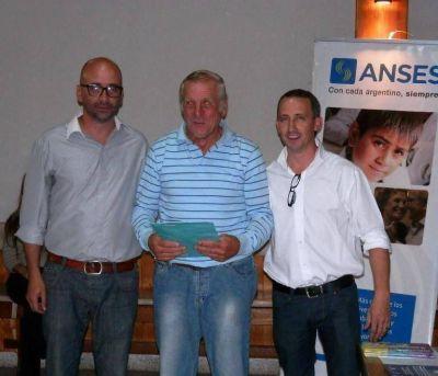 Los jubilados recibieron la Tarjeta Argenta