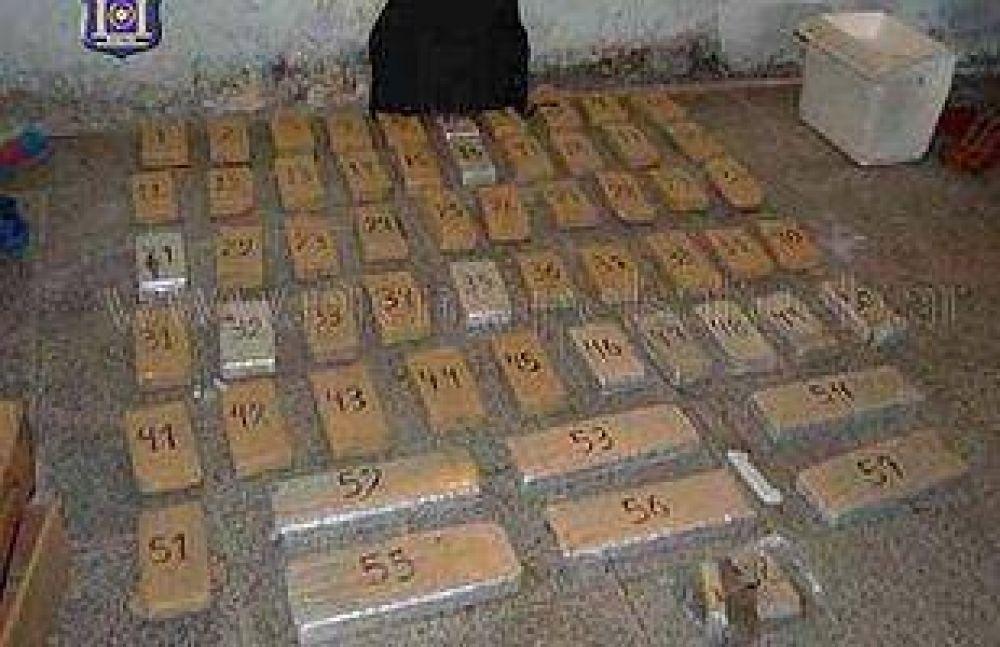 Incautan más 50 kilos de droga en dos barrios de Salta