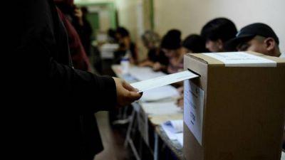 PASO en la Ciudad: el inicio fue con algunas demoras y empiezan a votar los principales candidatos