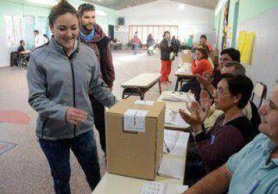 Neuqu�n elige gobernador: ya vot� cerca del 55 por ciento del padr�n