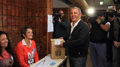 Votó alrededor del 75% del padrón en Neuquén, por culpa de la ceniza
