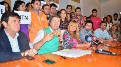 Ayala prometió boleto estudiantil gratuito universal en 2016