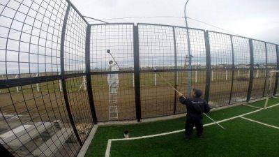 Avanzan los trabajos de recuperación del complejo deportivo y recreativo en el cono de sombras