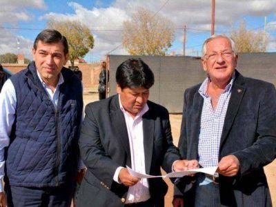El Gobernador Fellner recorrió las obras de recuperación de la ex fundidora Metal Huasi.