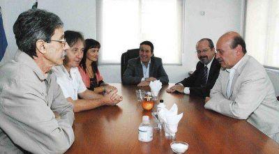 DÍAZ PÉREZ SE REUNIÓ CON LOS DIRECTORES DEL HOSPITAL GENERAL DE AGUDOS NARCISO LÓPEZ
