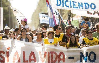 Fuerte advertencia: La Asamblea iniciará acciones judiciales al Gobierno si no informa el estado del río Uruguay
