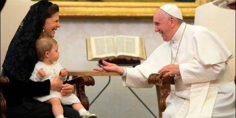 El Papa y la Reina de Suecia, contra el tráfico de seres humanos
