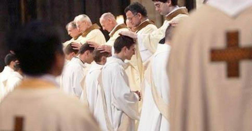 """Mons. Martínez: """"Celibato y sacerdocio, una opción por una mayor radicalidad evangélica"""