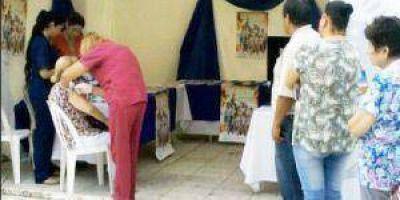 Gripe: Vacunación en la Plaza San Martín
