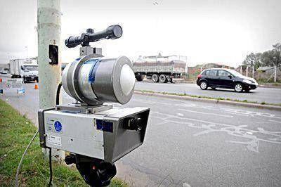 Inician controles de velocidad en avenidas con radares móviles