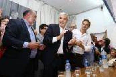 Juli�n Dom�nguez recorri� La Plata junto a Bruera y referentes sindicales
