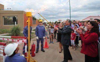 Inauguraron conexión a la red de gas natural del Bº Viviendas Productivas