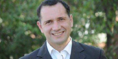Facundo Celasco gestionó una entrega de netbooks al Tribunal Descentralizado de Clasificación y al personal de Jefatura Regional de Educación
