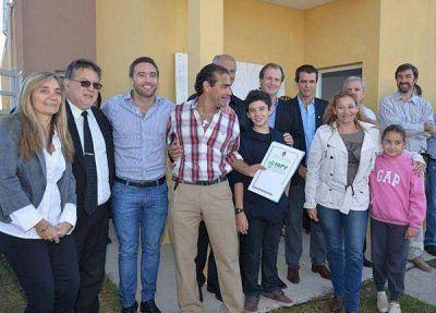 Dieciséis nuevas viviendas para docentes fueron entregadas en Concordia