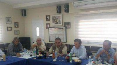 Macri prometió a los gremios del transporte mantener las paritarias si es elegido presidente