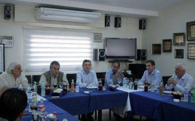 Macri seduce a gremios con garant�a de paritarias y modificaci�n de Ganancias