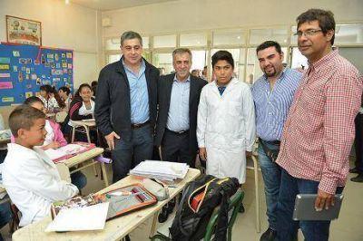 Malvinas firmó convenio educativo – laboral con una escuela de Moreno