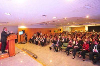 Poggi: �La UNESCO asesorar� a la Provincia en calidad educativa�