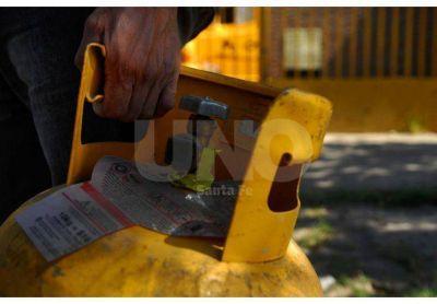 Monte Vera firmará este miércoles un convenio para vender garrafas a 62 pesos a beneficiarios sociales
