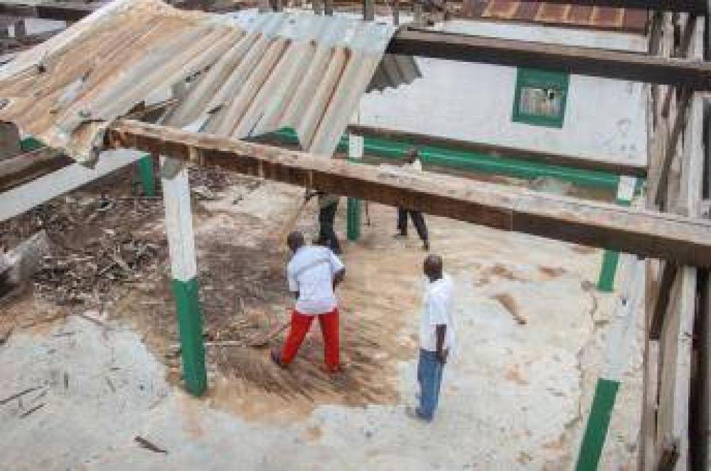 Cristianos y musulmanes reconstruyen una mezquita