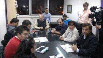 Se firmó el acuerdo: Docentes aceptaron la propuesta salarial