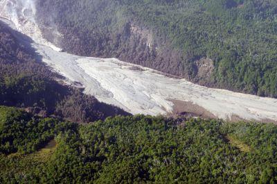 Difunden imágenes aéreas actuales del volcán Calbuco