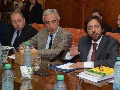 El Fiscal de Estado reuni� al oficialismo y a la oposici�n por el conflicto del r�o Atuel