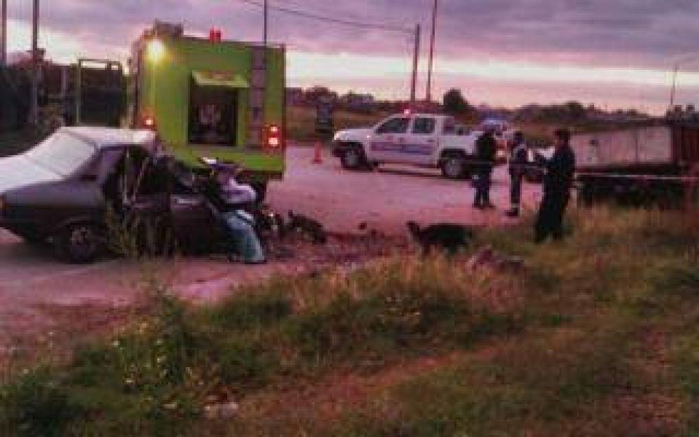 Bahía Blanca: Dos muertos tras chocar contra un camión estacionado