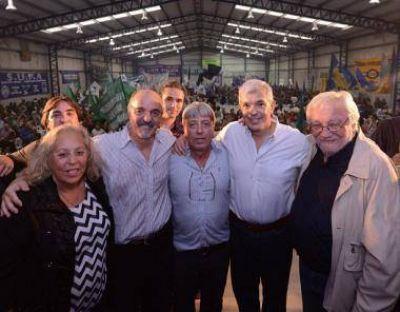 """Julián Domínguez en Zárate: """"Jamás votamos una ley en contra de los intereses de los trabajadores. Nosotros no ajustamos ni flexibilizamos"""""""