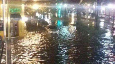 Temporal con inundaciones y granizo en Rosario