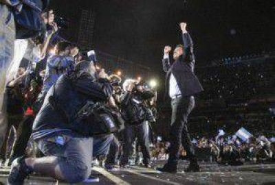 Euforia massista tras el acto en Vélez