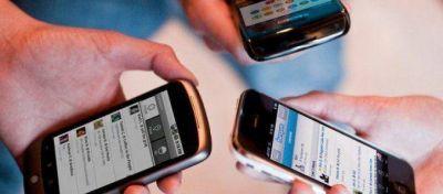 Reiteran en la Federal que ser�n sancionados los polic�as que usen celulares en servicio