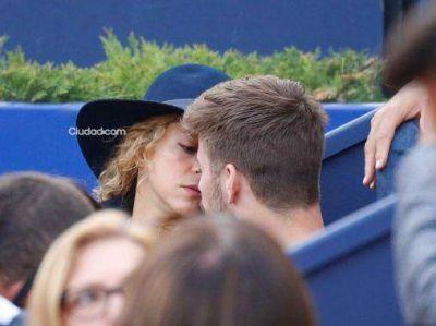 Shakira, Gerard Piqué y su hijo Milan: salida familiar, besos y caricias en Barcelona